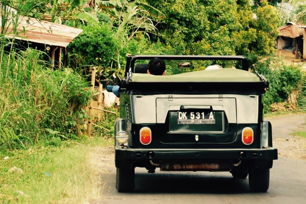 vw-car-trip-things-to-do-bali-beach-sea-ocean-front-villas-accommodation-for-rent-with-private-pool-candidasa-for-family-honeymoon-couple-vacation-holiday-place-to-stay-1
